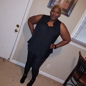Tops - Black sleeveless shirt